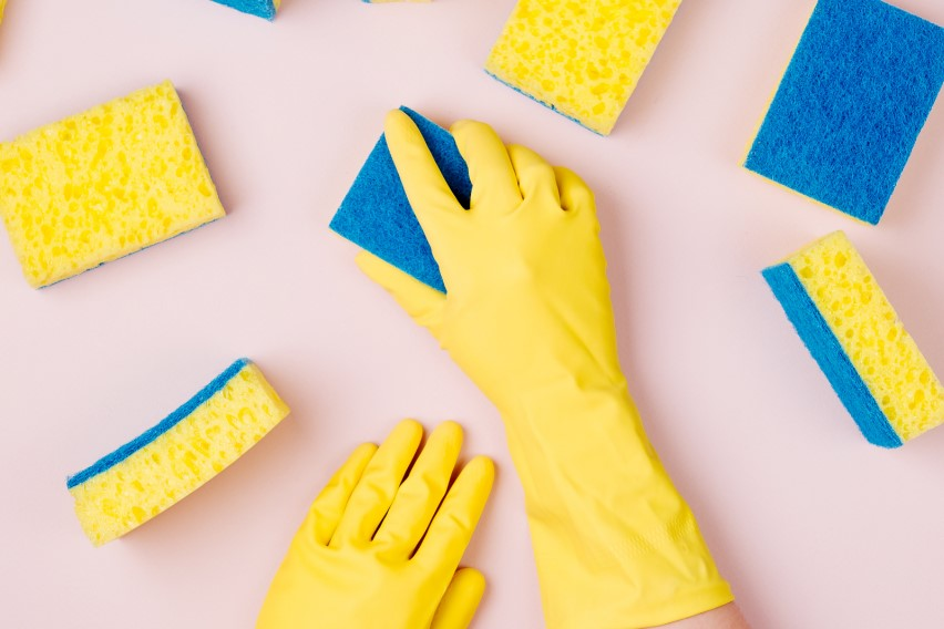 THE ULTIMATE CLEANING HACKS TO SAVE YOU TIME AND MONEY